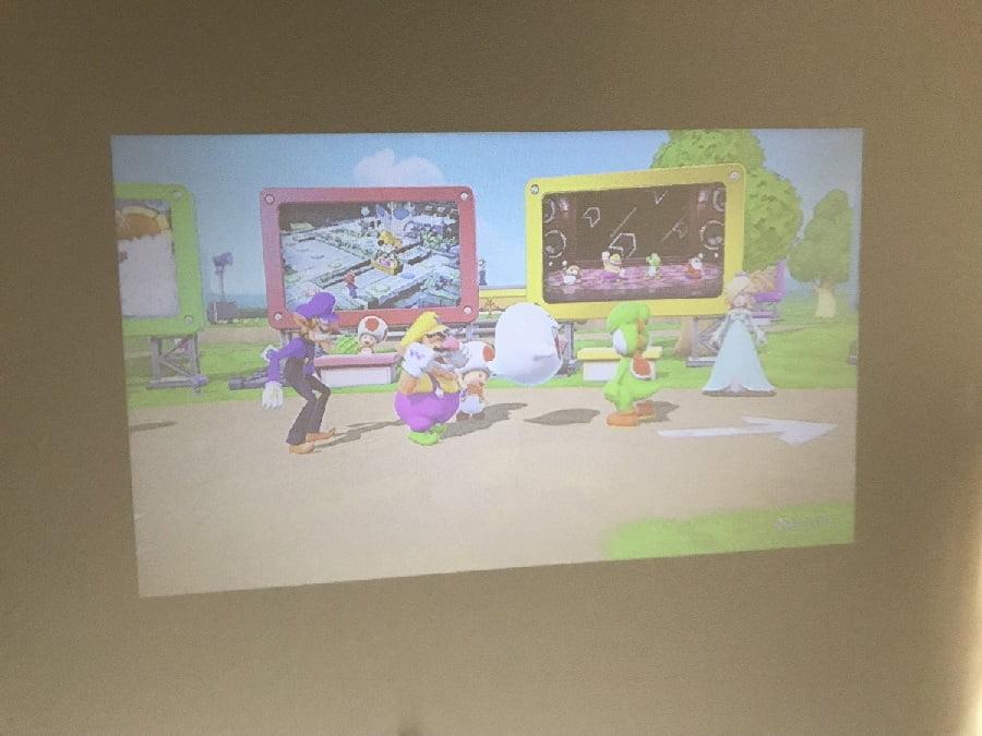 天井にSwitchを投影した画質や音質について
