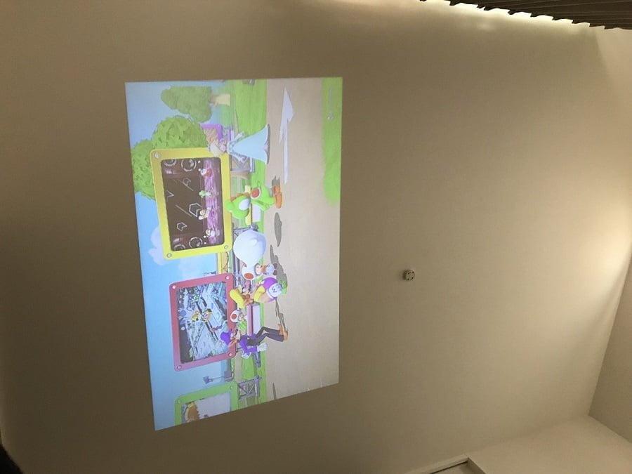 天井にSwitchを投影した画面サイズ