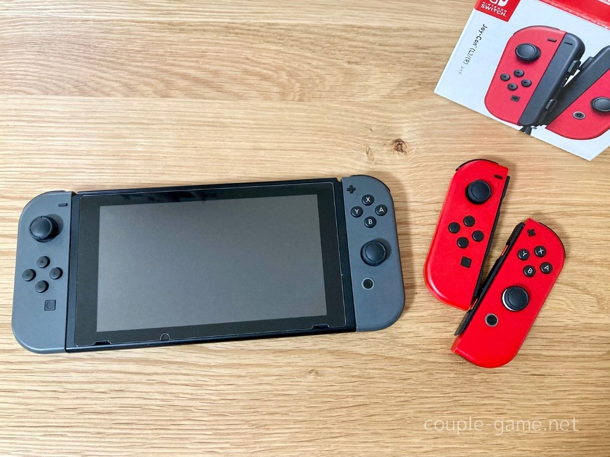 SwitchとJoy-Con4つ