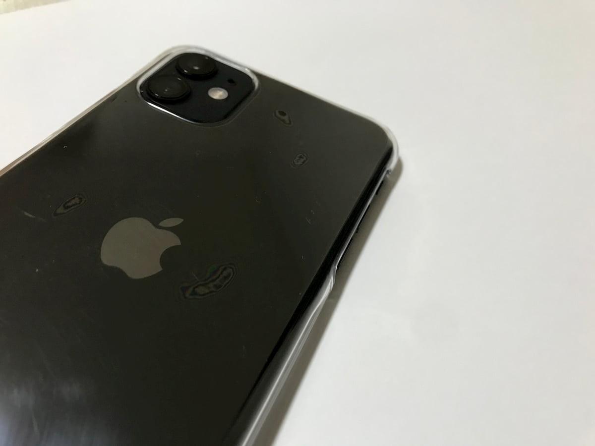 ダイソーのiPhone11ケースの気泡