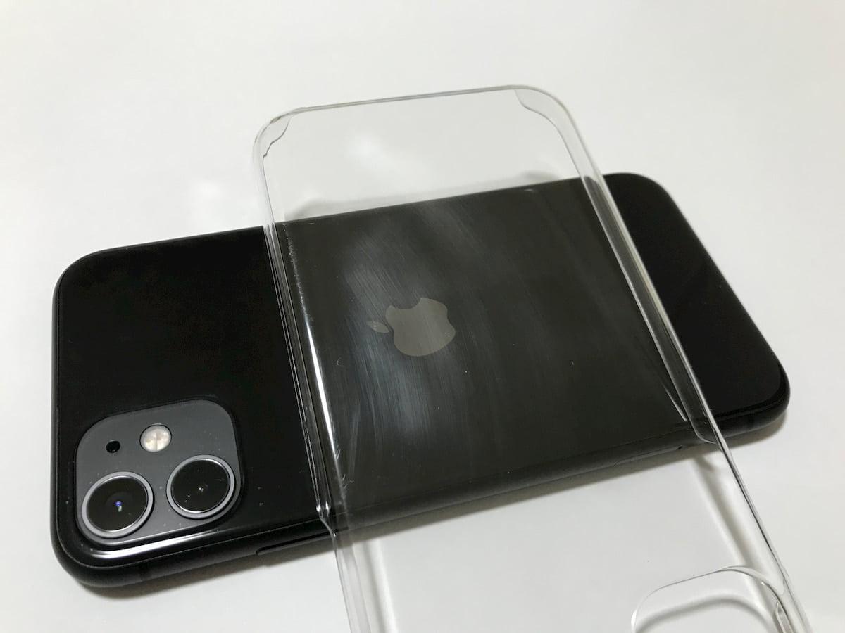 ダイソーの透明感のないiPhone11ケース