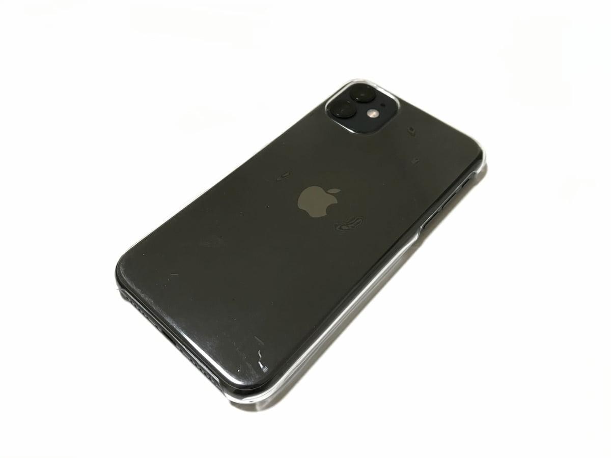 ダイソーのiPhone11ケースを装着したiPhone