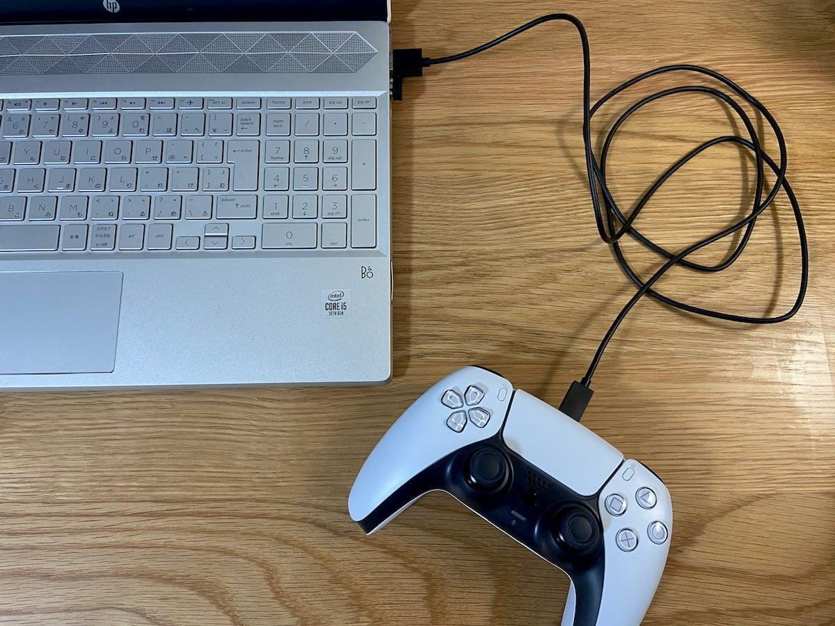 パソコンに接続してコントローラーを充電